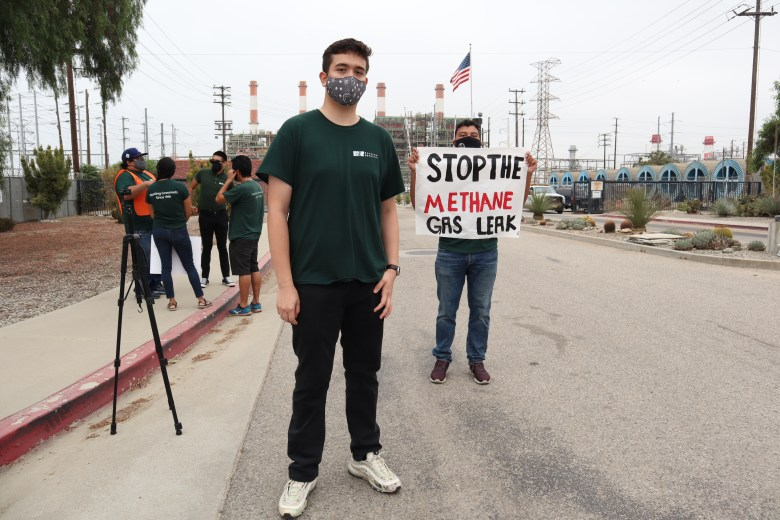 Carlos Regalado and Diego Ortiz protest outside Sun Valley's LADWP plant on Sept. 8, 2020. Photo by Andrés Rivera, Pacoima Beautiful