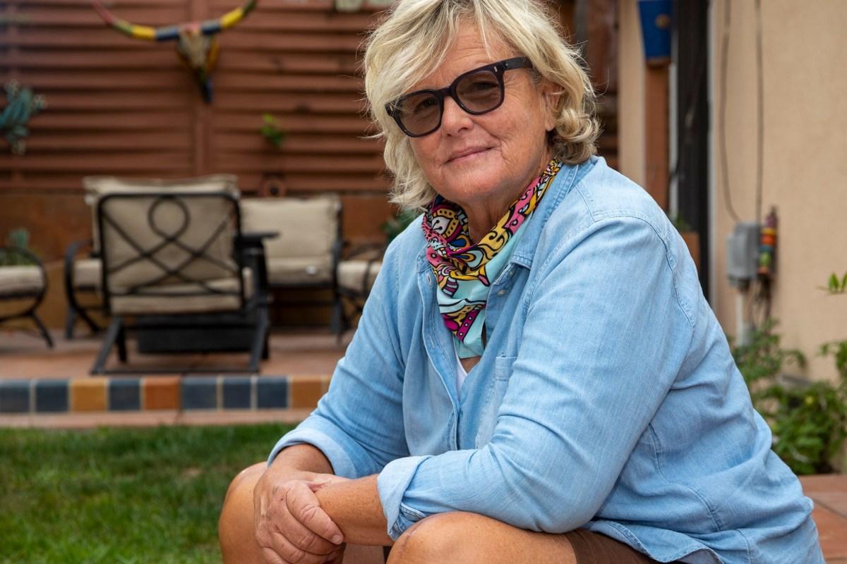 Bailey Brown en su casa en Pismo Beach el 25 de octubre de 2020. Foto de Robert Oliver para CalMatters