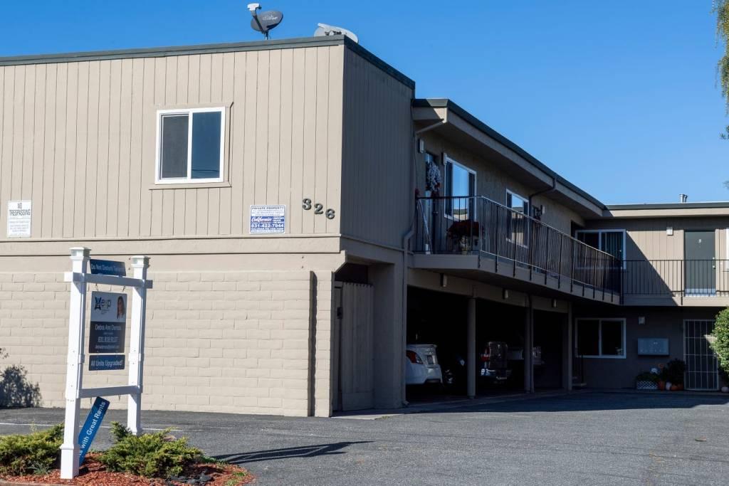 Un complesso residenziale ha stanze disponibili per l'affitto nel sud di Salinas, venerdì 27 novembre 2020. Foto di David Rodriguez, The Salinas Californian