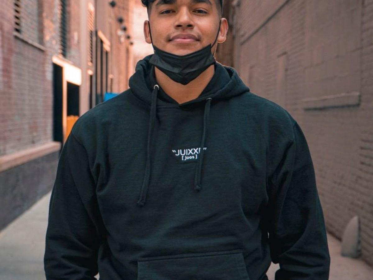 El influencer de TikTok Jesús Morales ha proporcionado más de $90,000 a los vendedores ambulantes desde el comienzo de la pandemia. Foto cortesía de Jesus Morales