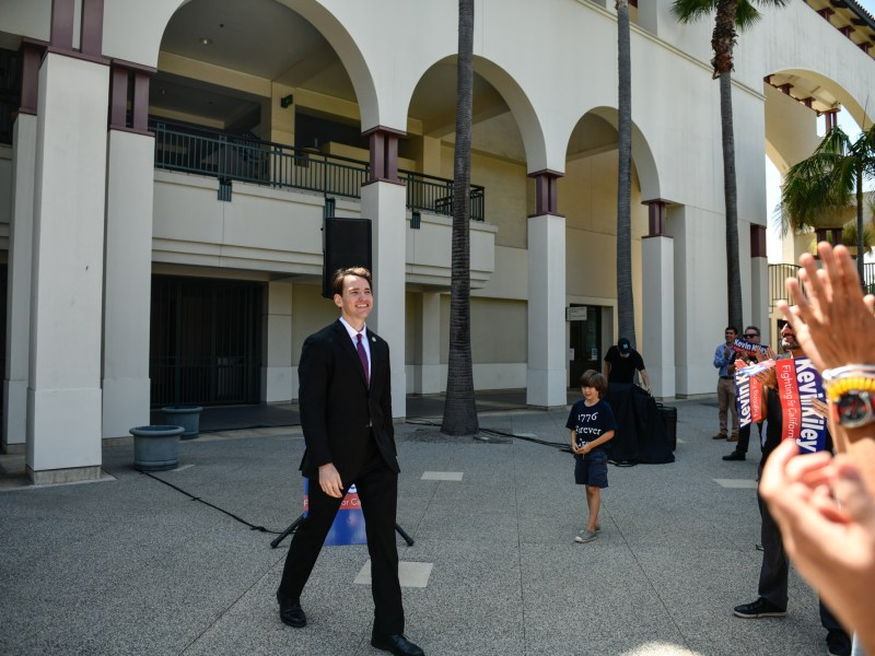 Newsom recall candidate Kevin Kiley receives praise from his supporters after giving a speech during a rally in Culver City, on July 31, 2021. Photo by Pablo Unzueta for CalMatters