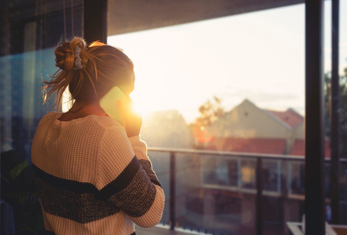 California health officials agreed to partially fund a 988 crisis hotline for mental health. Image via iStock
