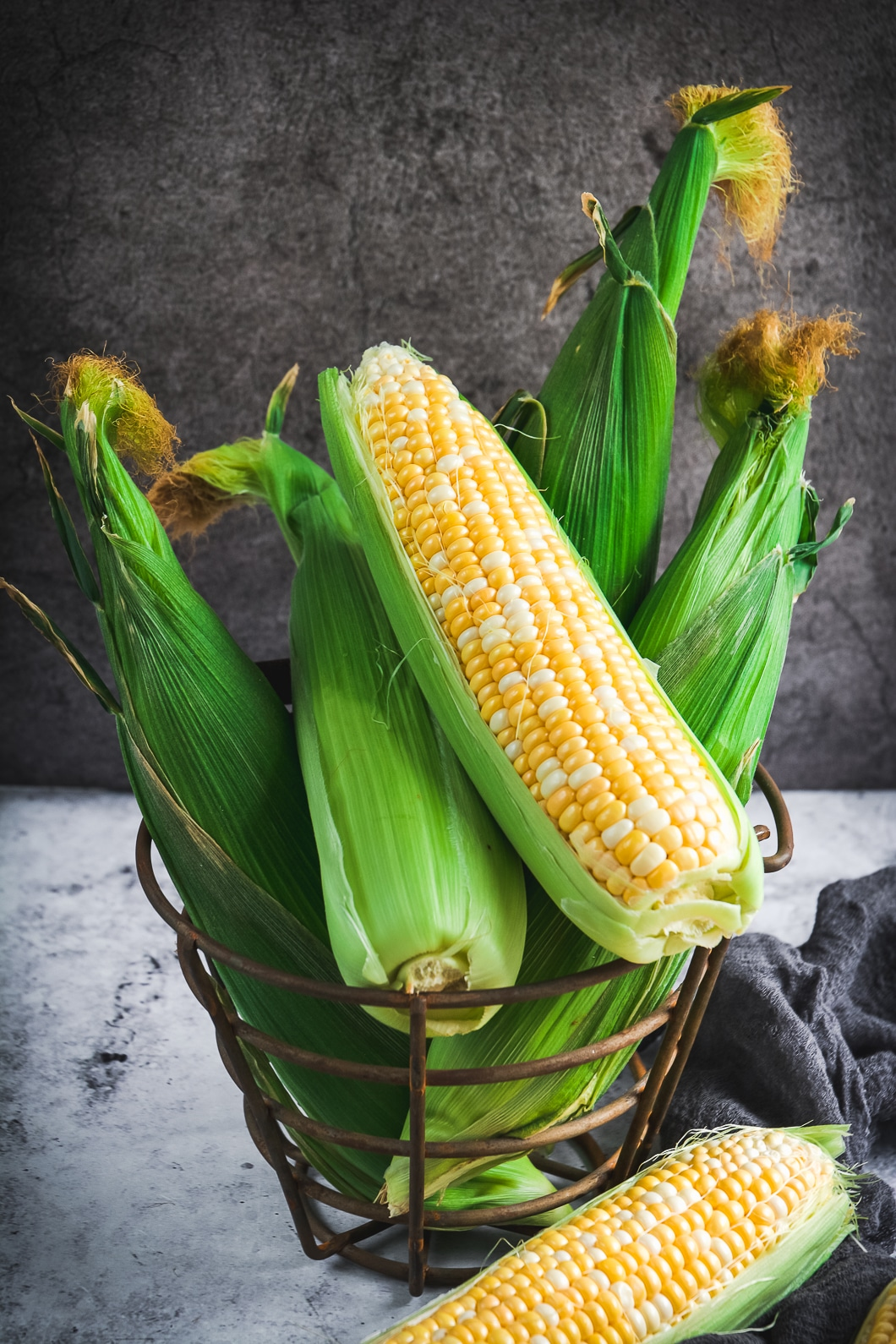whole corn unpeeled
