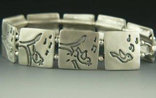 Image of Be as a bird bracelet from CALMERme.com