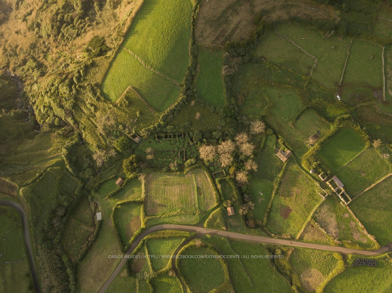 Vista aérea da Caldeira do Mosteiro completa