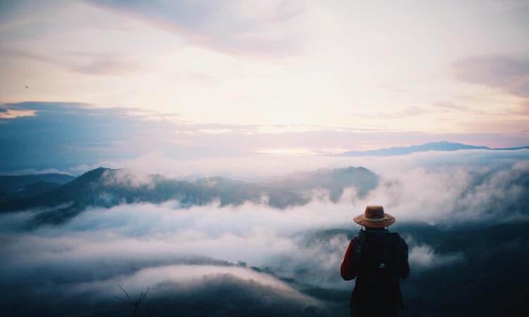 Viaje Iniciático - Hombre en las nubes