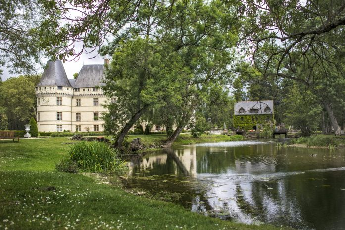 dog friendly chateau de l'islette