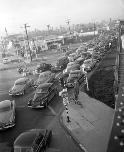 Los Angeles traffic jam 1953, wikimedia