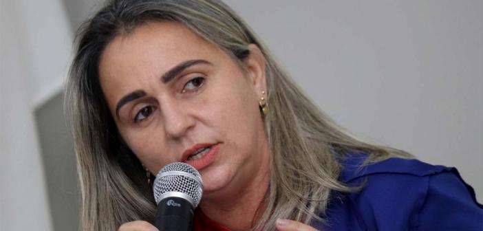 Vereadora Rosangela pede recuperação das estradas da Vila Cigana
