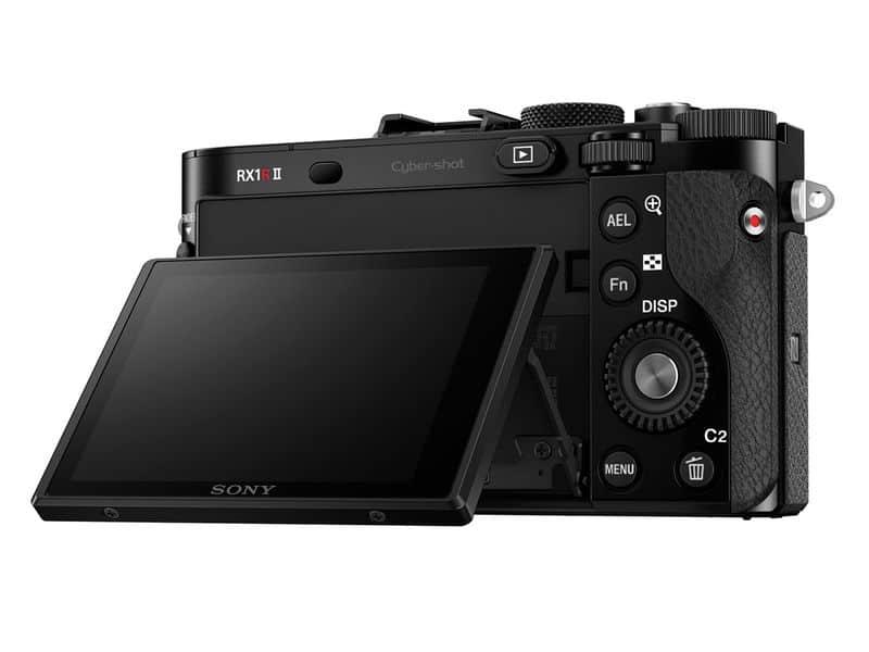 Sony RX1R II: la nueva cámara full frame de 42.4MP que cabe en la palma de tu mano