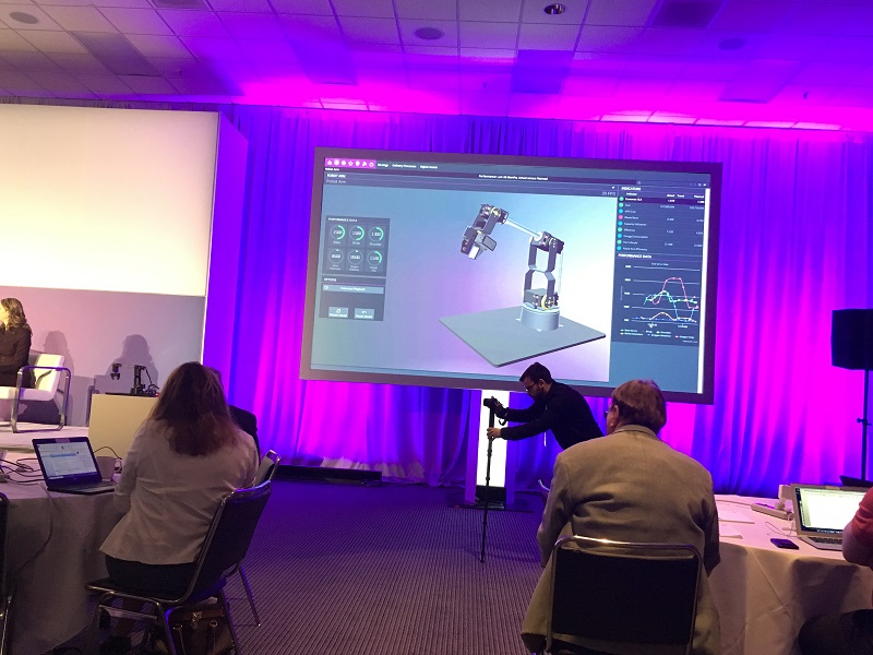 IFS Labs demonstrates a robot and its digital twin