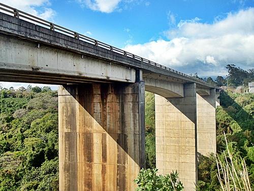 Puente sobre el río Virilla, carretera 32. Crédito: Panoramio