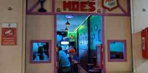 La Patrulla de Bares: El Moe bueno (La Barra de Moe)