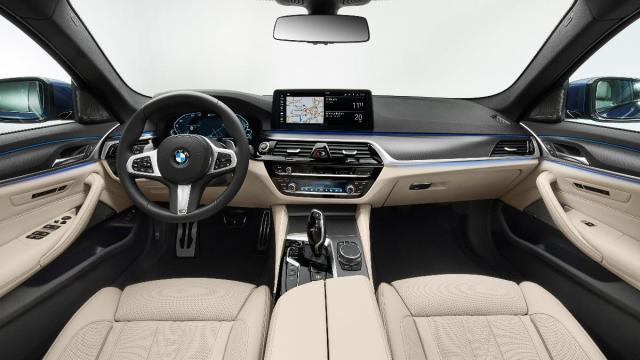 BMW SERIE 5 2020 COCKPIT