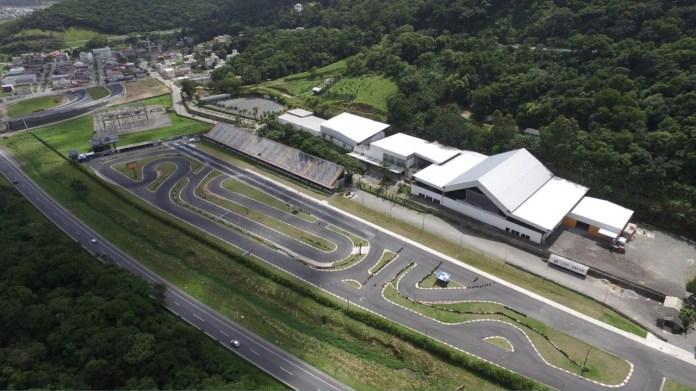 Speedway Music Park: complexo une diversão e adrenalina