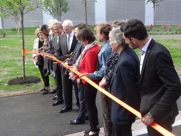 Cutting the Ribbon: Margaret Drury (CRA), Conrad Crawford (CRA), Jan Devereux, Rich Rossi, Tim Toomey, Marc McGovern, Kathy Born (CRA), Tom Evans (CRA Exec. Dir.), Sarah Gallup, Barry Zevin (CRA), Jason Zogg (CRA Program Manager)