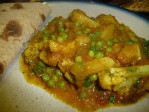 cauliflower-pea-potato-curry-camelcsa-291115