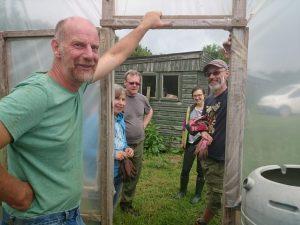 squash-planting-team-camelcsa-120616