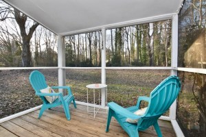 750 Magnolia St view of porch