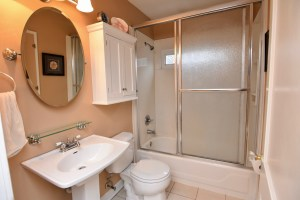 866 Magnolia St Ardmore WS For Sale bathroom