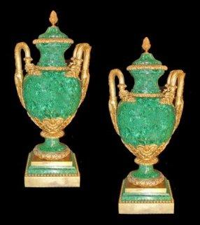 3592 malachite urn