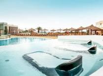 HD Beach Resort Pool Beds