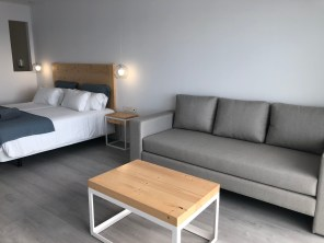 Twin room living space