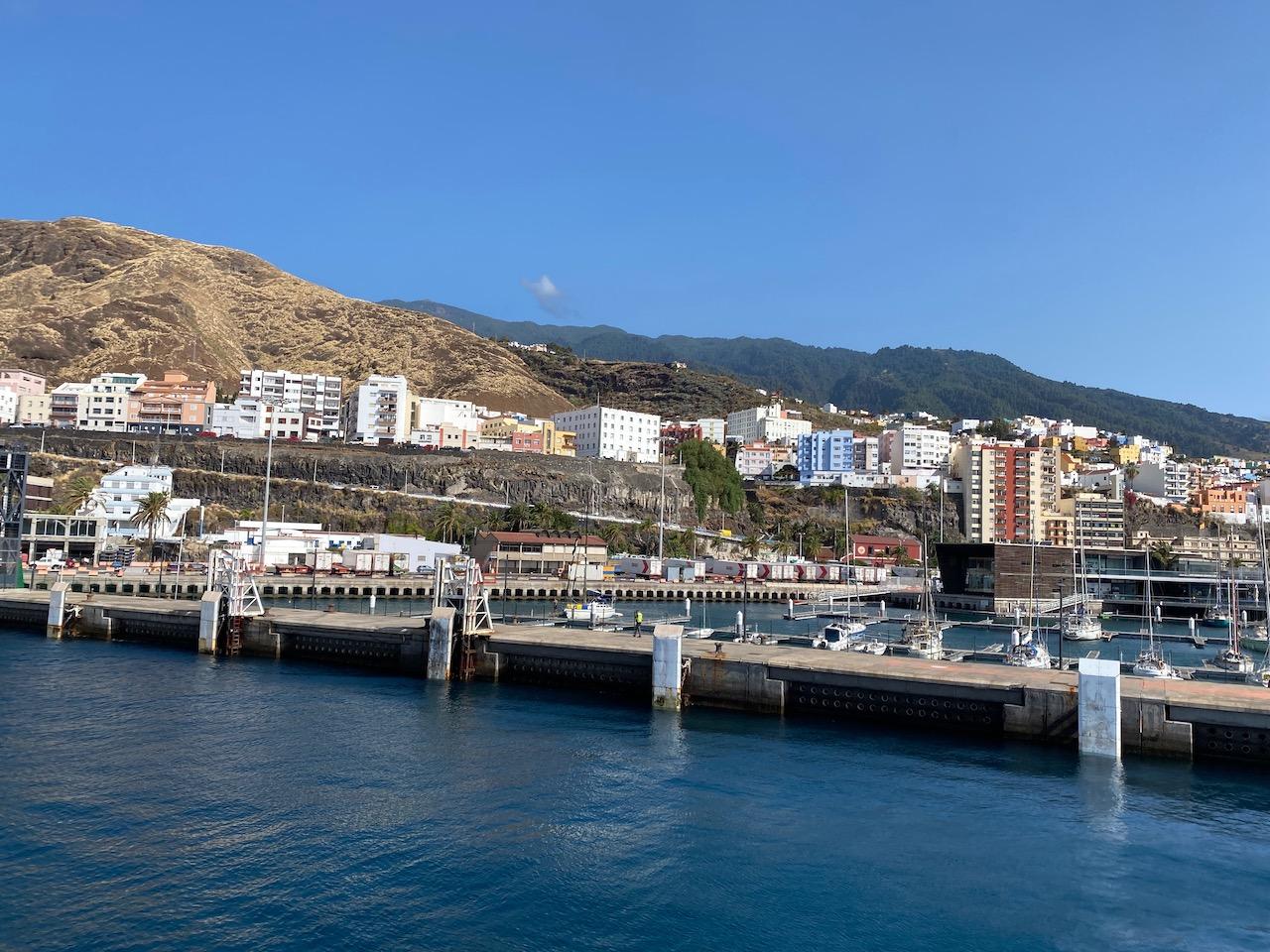 Sailing into Santa Cruz de La Palma