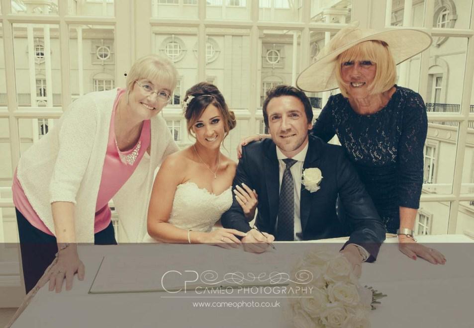 the_landmark_wedding_photography_london_ml06