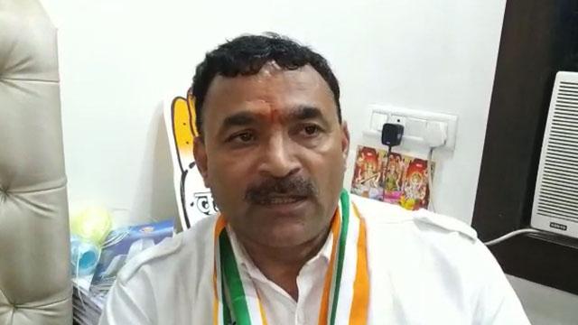 कांग्रेस प्रत्याशी मोहन सेंगर ने भाजपा पर साधा निशाना, मूलभूत समस्याओं को गिनाया