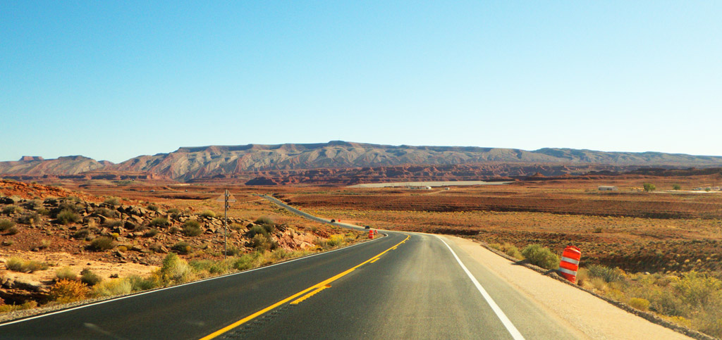 Driving on the road between Monument Valley and Mexican Hat