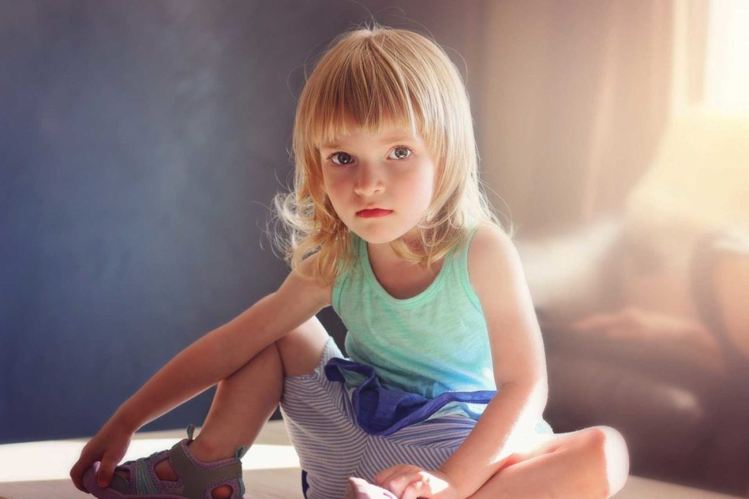 Toddler photography tips: 10 Find them somewhere to sit
