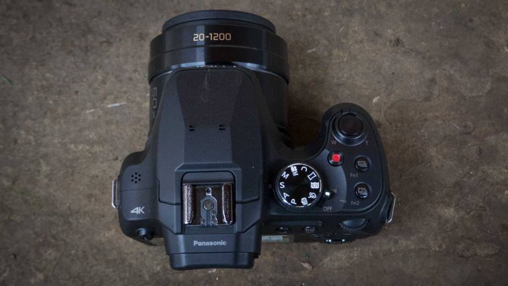 Panasonic FZ82 top