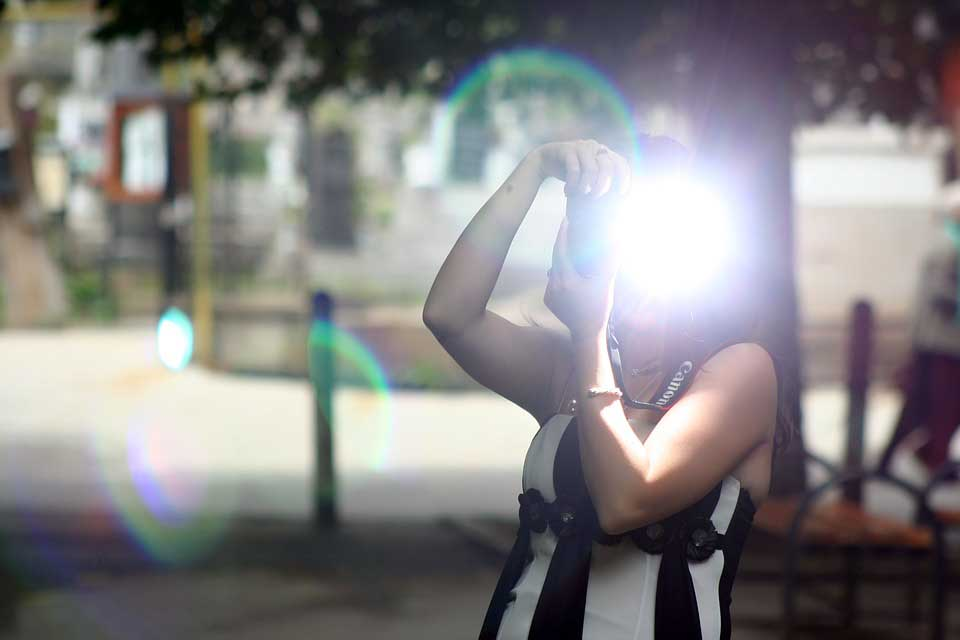 How to use fill-in flash in outdoor photography