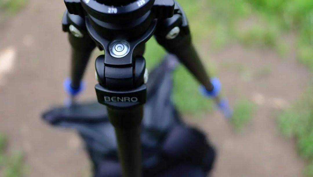 Advanced tripod tips: keep the central column straight