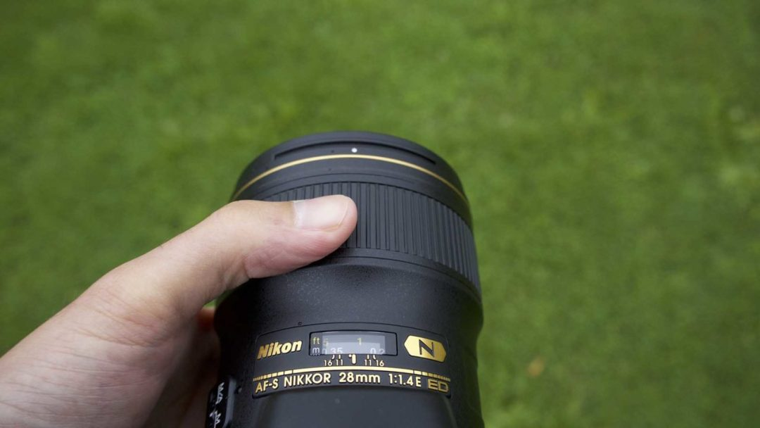 How do I switch my camera to manual focus?