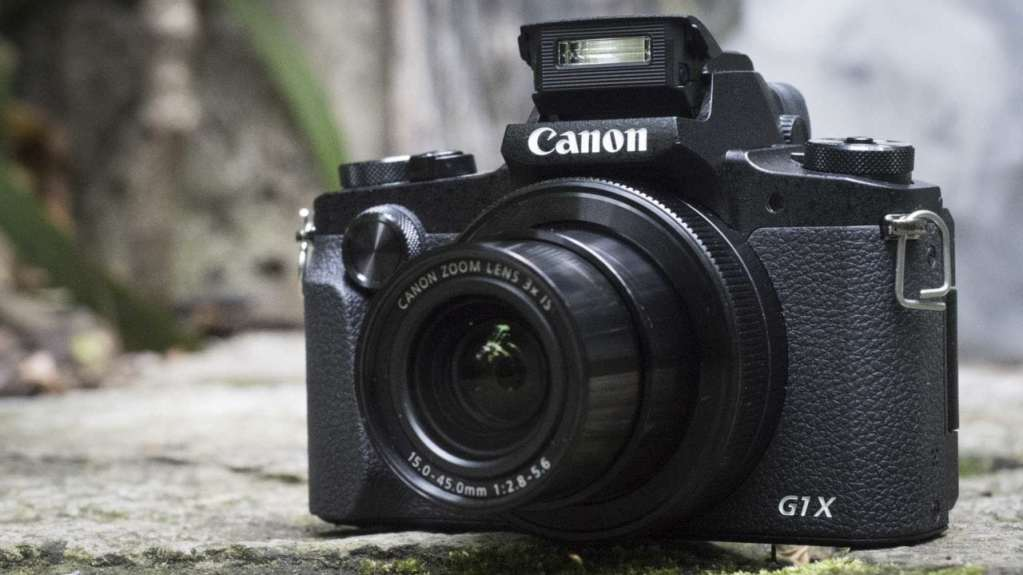 PowerShot G1 X Mark III review: front with flash up