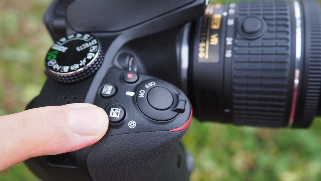 Setting exposure compensation on the Nikon D3400