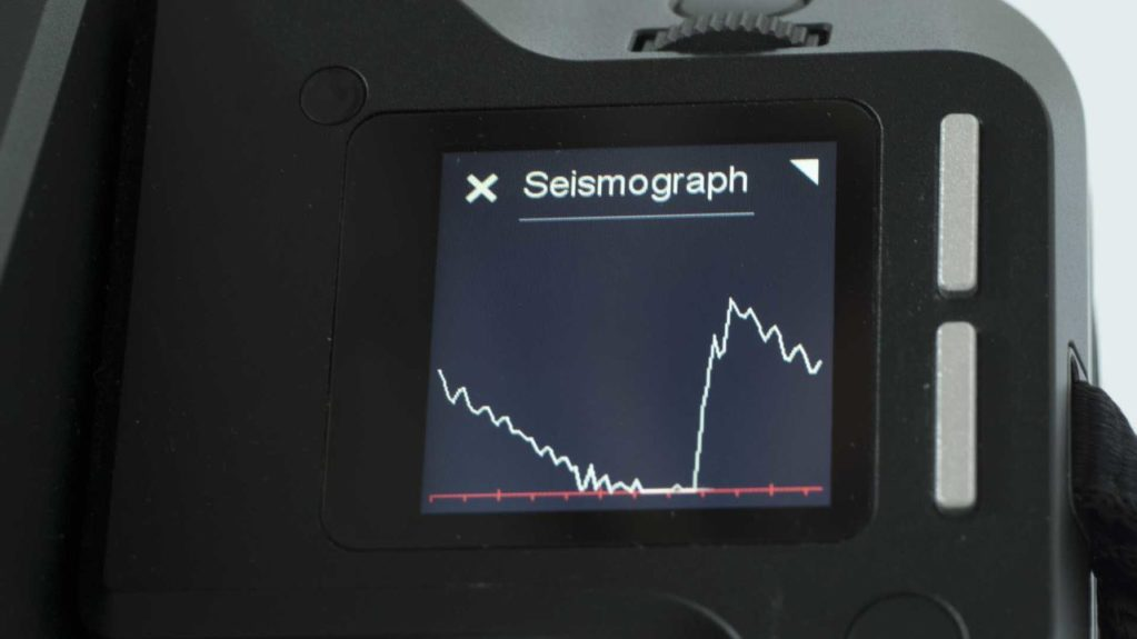 Phase One XF IQ3 Achromatic Review: Camera Seismograph view
