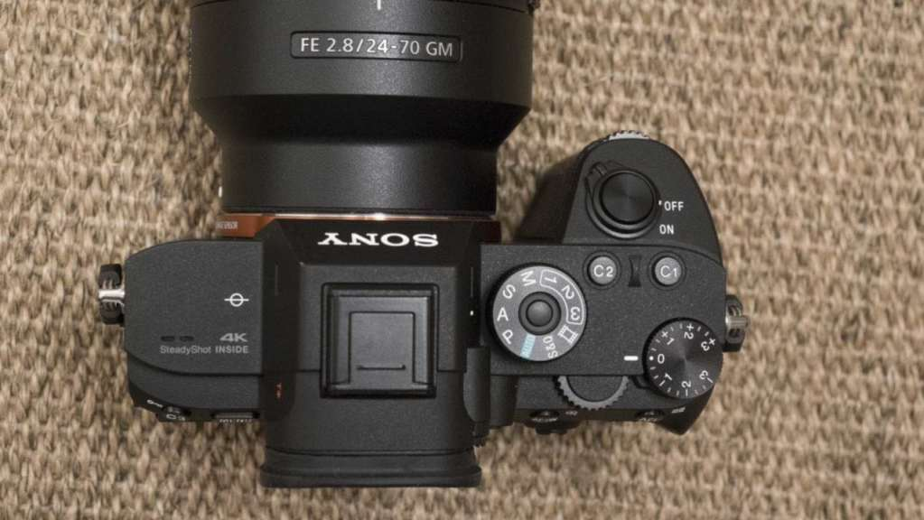 Sony A7R III Review: Top of the camera