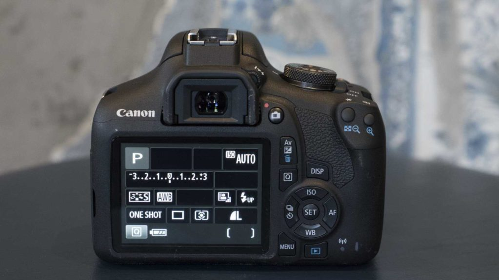 Canon EOS 2000D / EOS Rebel T7 Review: Product shot