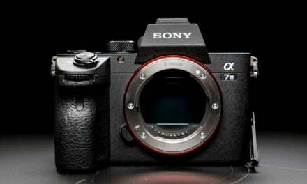 Sony A7 III now shipping, HVL-F60RM flashgun delayed