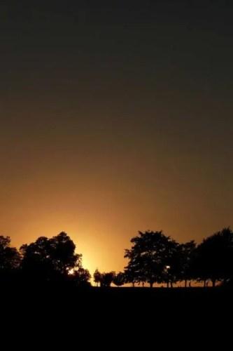 How do you expose your camera for a silhouette?