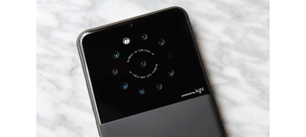 Light developing a smartphone with 9 cameras that can produce 64MP images