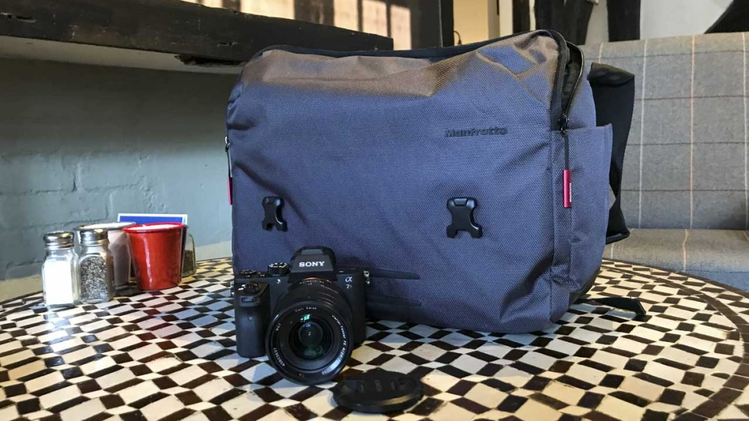 Manfrotto Manhattan camera messenger Speedy-30 Review