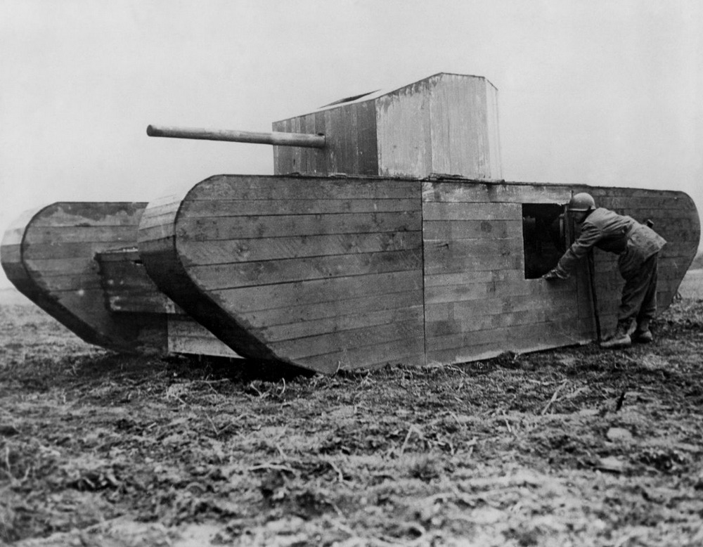 Резиновые танки: как хитрили на войне с не очень тяжёлой техникой. Фотографии 1918-1954 годов 16