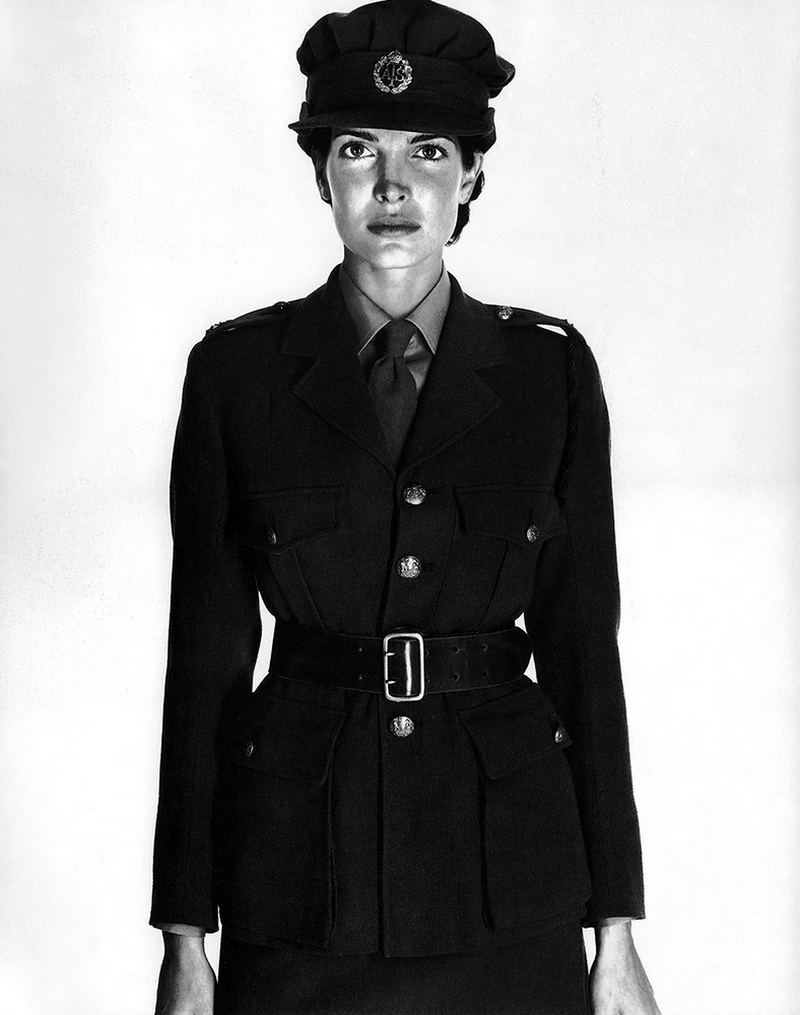 Стефани Сеймур в фотосерии Ричарда Аведона «La Passante Du Siecle» 3
