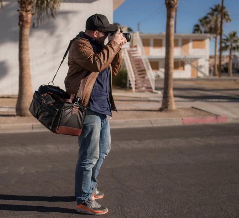 รีวิว Compagnon the weekender กระเป๋ากล้องหนังวัวกระทิง จากเยอรมัน handmade ทั้งใบแบบ 100% เป็นกระเป๋ากล้องที่มีการออกเเเบบใช้สำหรับการเดินทาง