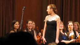 Nasmeh na Matejinem obrazu in navdušen orkester.