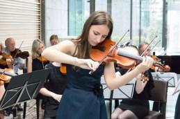 Z orkestrom je izvedla delo P. I. Čajkovskega, arijo Lenskega, prirejeno za violino in orkester.